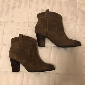 Clarks Women Ankle Boots